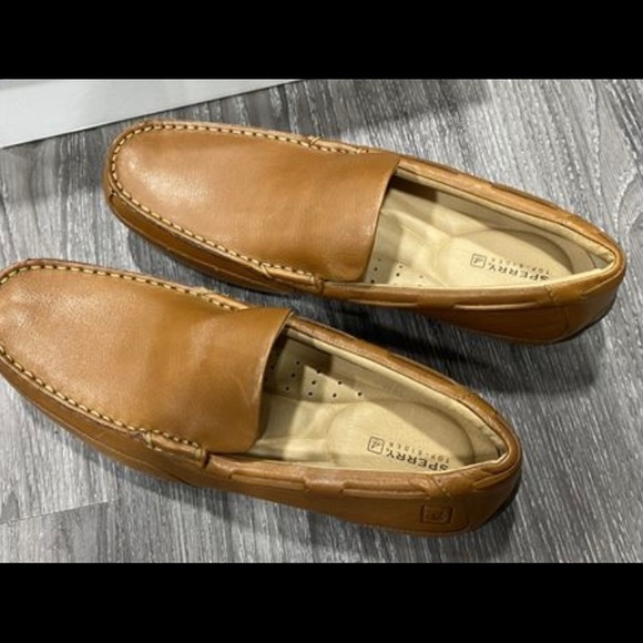 Sperry loafer - size 10